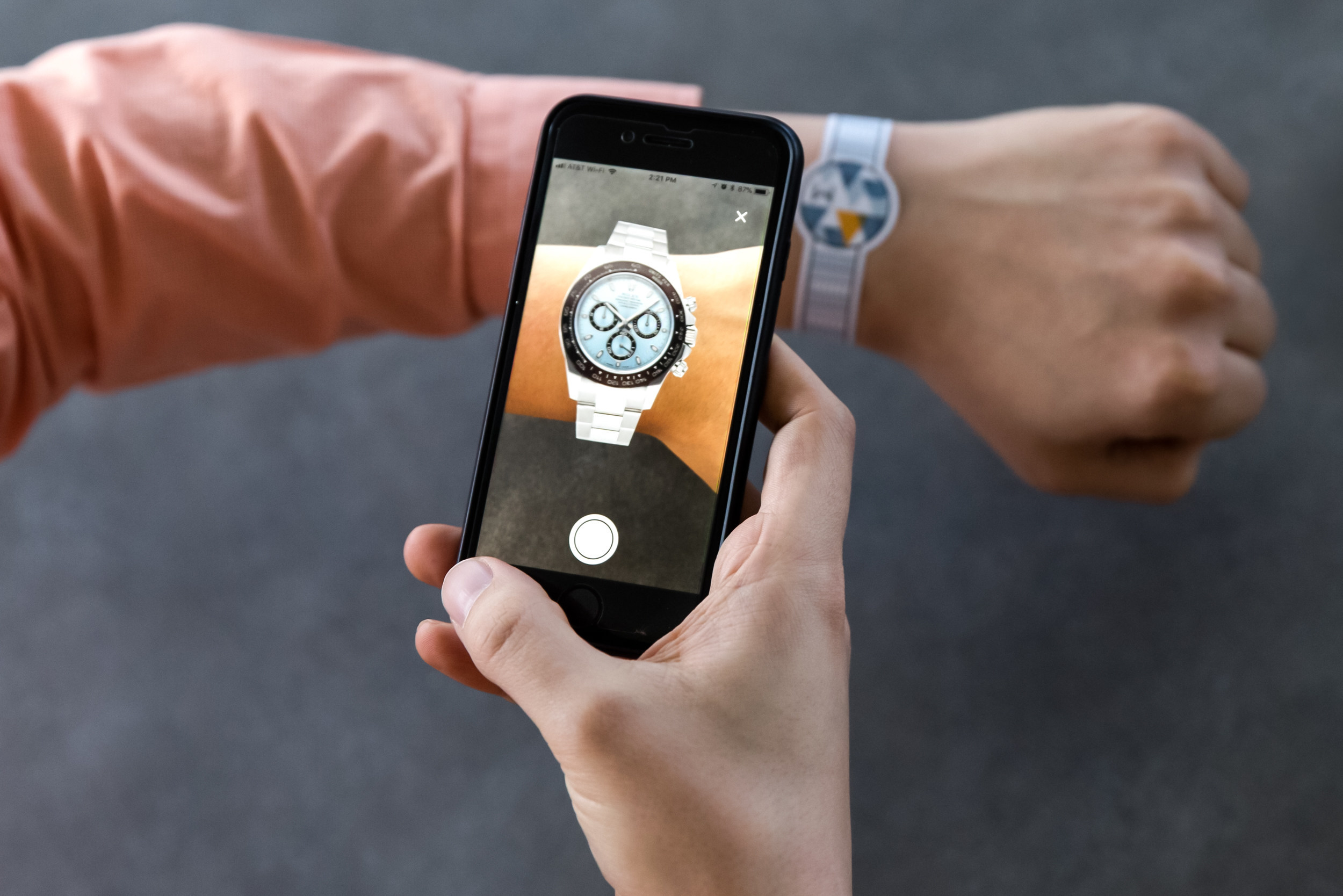Pre-Owned Luxury Watch E-commerce Platform WatchBox Updates its App with Augmented Reality Feature